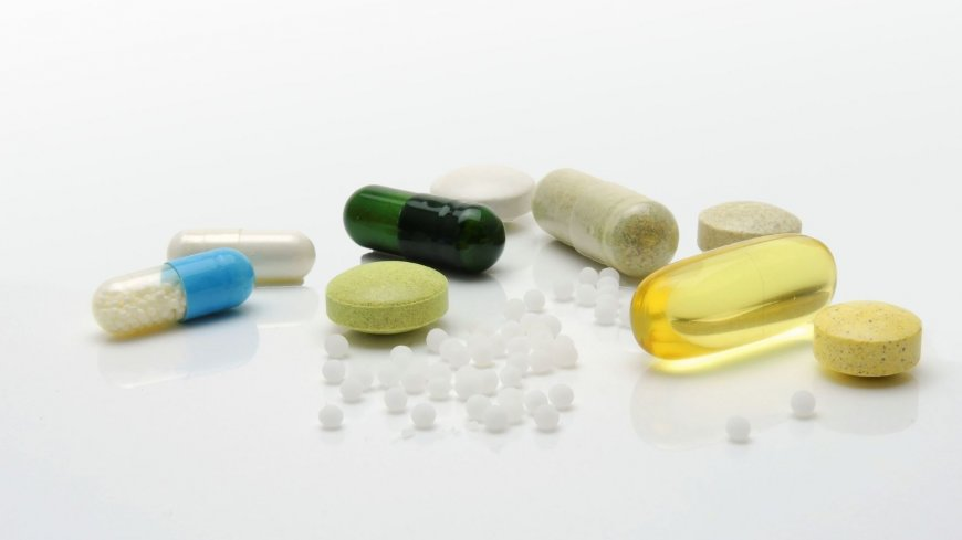 kilka kapasułek i tabletek różnego rodzaju