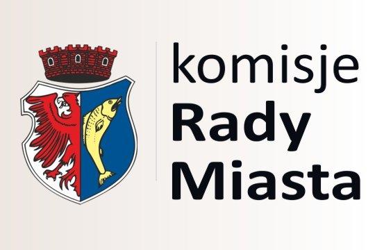 """grafika zawierająca herb miasta Kostrzyn nad Odrą oraz napis """"komisje Rady Miasta"""""""