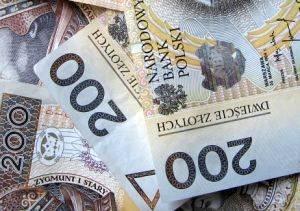 przykładowa grafika przedstawiająca banknoty dwustuzłotowe