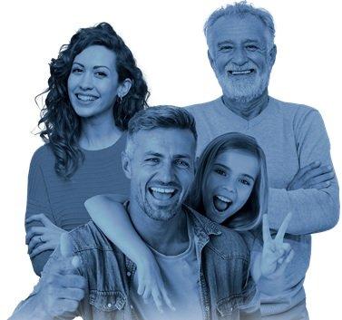 Grafika Narodowego Spisu Powszechnego Ludności i Mieszkań (małżeństwo z dzieckiem oraz dziadkiem - wszyscy uśmiechnięci)